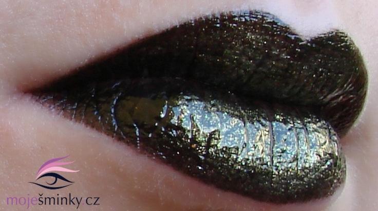 Barry M Black lip paint (lp37) + Gold Iridescent Fine Glitter Dust