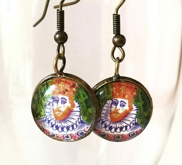 Postage stamp king earrings by CraftbyClara on Etsy