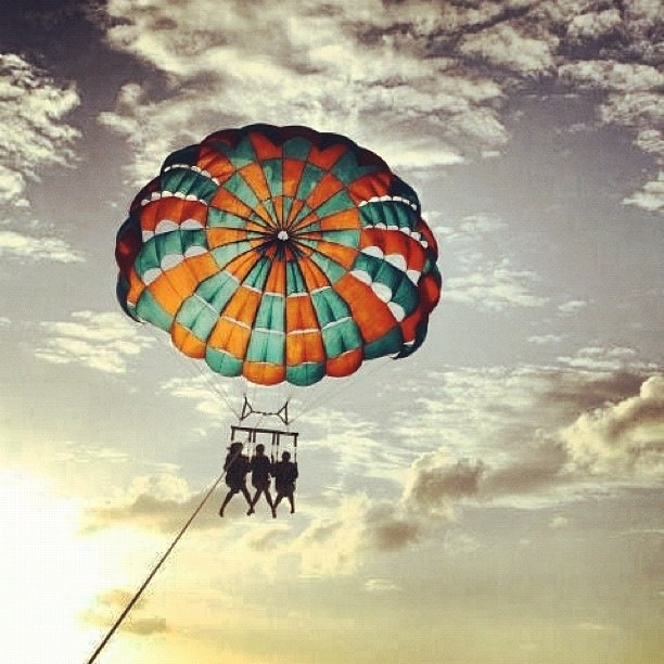 Parasailing, Hawaii