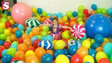 1 Год каналу!Много шариков Подарок Принцессы Диснея Princess Rapunzel BALL Real Life Disney balloon http://video-kid.com/11036-1-god-kanalu-mnogo-sharikov-podarok-princessy-disneja-princess-rapunzel-ball-real-life-disney-.html  Disney Все Видео Канала Little Miss Sofia:https://www.youtube.com/channel/UC3p6RnGpU0QQ_H7eYbnH2AA/videosПривет всем! Новая серия на канале Маленькая мисс,1 год каналу  Little Miss Sofia София будет Принцесса Рапунцель. София в шоке! Мы надули больше 1000 шариков и…