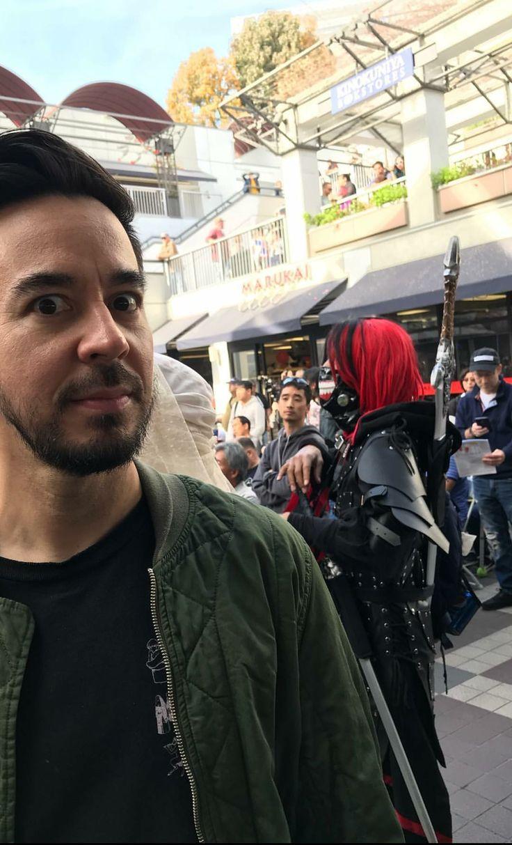 Mike Shinoda 1/2/18 (from Anna Shinoda's instagram stories)