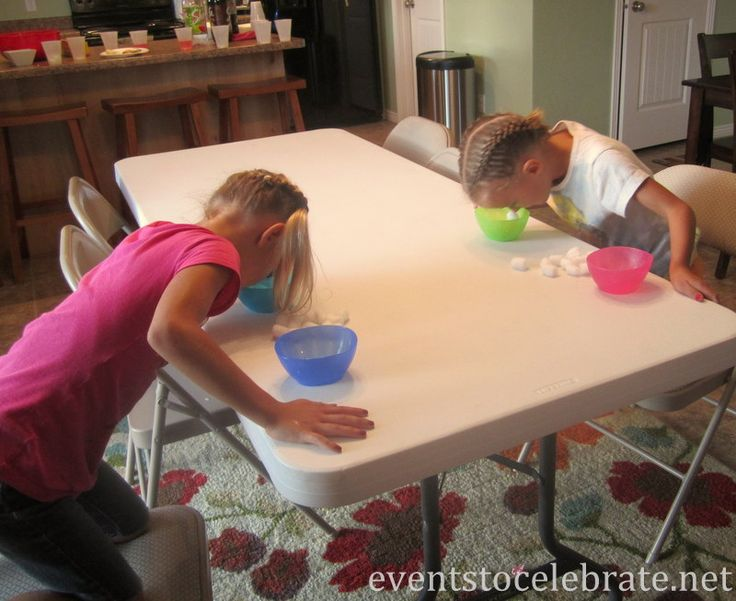 Minute To Win It - transfering cotton balls with vaseline on your nose