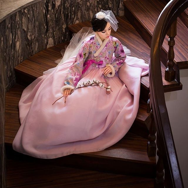 #hanbok project #Photo by Derek Lee Sponsored by #w한복 . . . . #beauty #korea #woman #dress #bride #clothing #model #fashion #portrait #wedding #신부한복 #한복 #웨딩한복 #전통한복 #혼주한복 #패션 #모델 #결혼한복 #한복대여 #신부 #웨딩 #돌잔치 #한복스타그램 #하객한복 #혼주 #여성한복