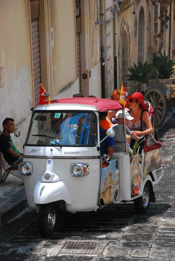 tricycle taxi in Noto, Sicily