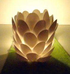 Farolillo tipo flor de loto hecho con cucharas de plástico. Tutorial.