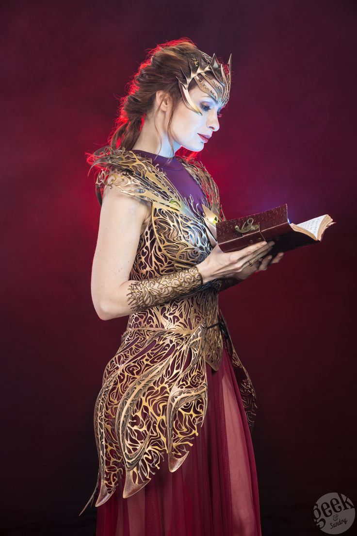 The Future of Cosplay, Today! Felicia Day Models 3D Printed Armor | Geek and Sundry