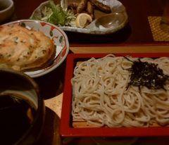 お蕎麦の味はわからないくせに そば好きなんです KITTE博多の華元本膳庵さんで 華天せいろとメヒカリの唐揚げ ふわふわなメレンゲの天ぷらが美味しかったですよ ちょうどメヒカリにお塩が添えてあったので塩で 日本酒がほしくなりますよ  iris on Instagram: このメレンゲの天ぷら 塩つけるとおいしい #お酒ほしい#ビールで我慢#博多駅#KITTE博多#華元#蕎麦 tags[福岡県]