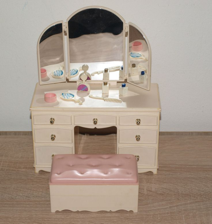 Model Vintage Pedigree Sindy Doll House Furniture  Bathroom Washbasin Unit