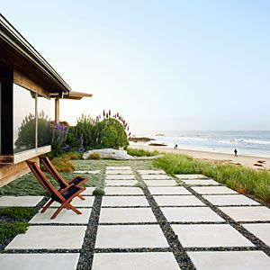 Beach patio design tips: This water-wise, easy-care oasis offers lessons for yards everywhere | Sunset.com