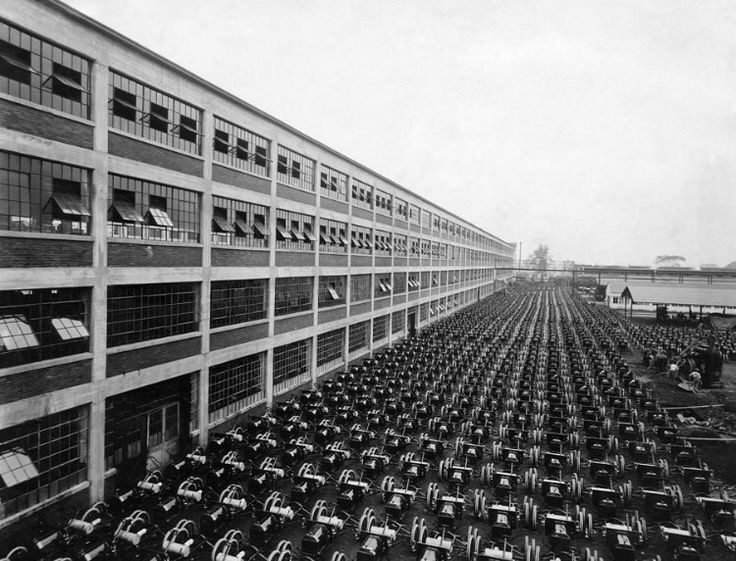 Ford motor company during ww2 for Henry ford motor company