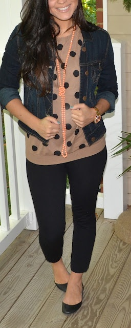 Lo you could do this with that dot shirt and black skinny pants.