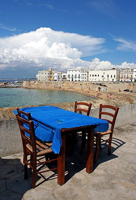We want to sit a table like this on our visit to Pranzo a Gallipoli, Apulia, Italy