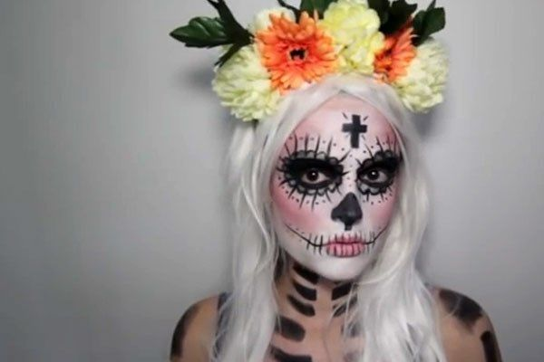 Zeven eenvoudige make-uplooks voor Halloween http://www.gva.be/cnt/dmf20141027_01344450/zeven-eenvoudige-make-uplooks-voor-halloween