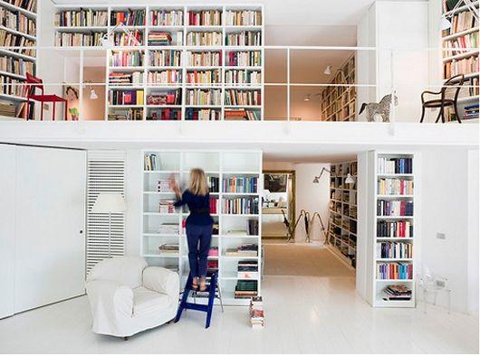 ahhhh clean space and books