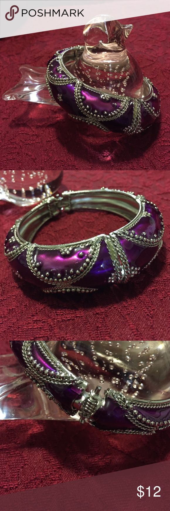 """Purple & Silver Colored Bracelet This gorgeous purple & silver bracelet is high quality """"costume jewelry"""" that, at a distance, looks Ike the """"real deal.""""  Unknown Jewelry Bracelets"""