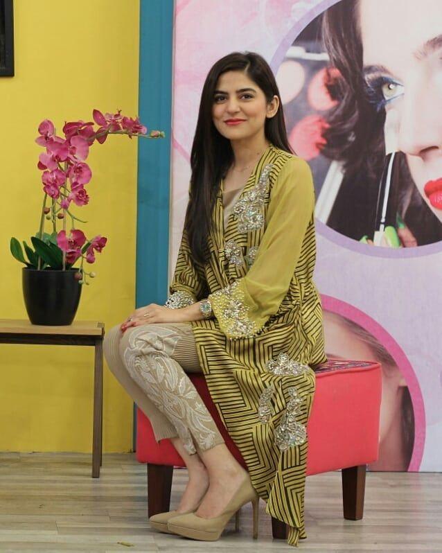 fe29f7393b Sanam Baloch Looking Gorgeous Outfit #sanambaloch #outfit #dress  #afsheenmehboob #morningshow #sammatv #Celenrity #pakista… | https://www.  starbuzz.pk/ in .
