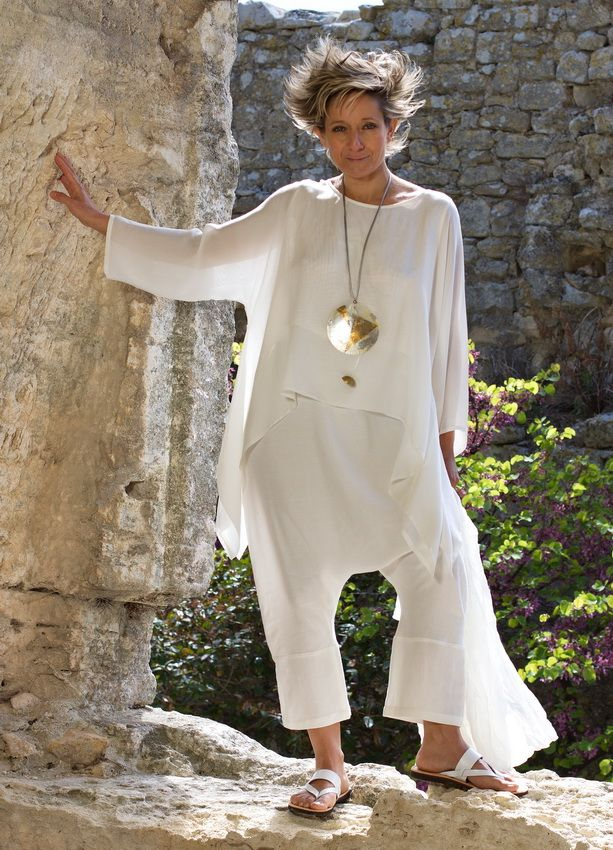 loose fit top made of white silk veil white linen / viscose harem pants -:- AMALTHEE -:- n° 3217