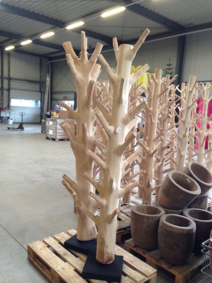 Wandgarderobe Baumstamm, Standgarderobe aus Massivholz, Höhe 200-220 cm - Garderoben - Wohnaccessoires