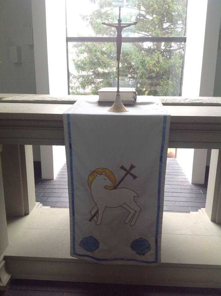 Viimsi Lutheran Church, Viimsi/Tallinn, Estonia.  Viimsi luterlik kirik, altar. Viimsin luterilainen kirkko, alttari.