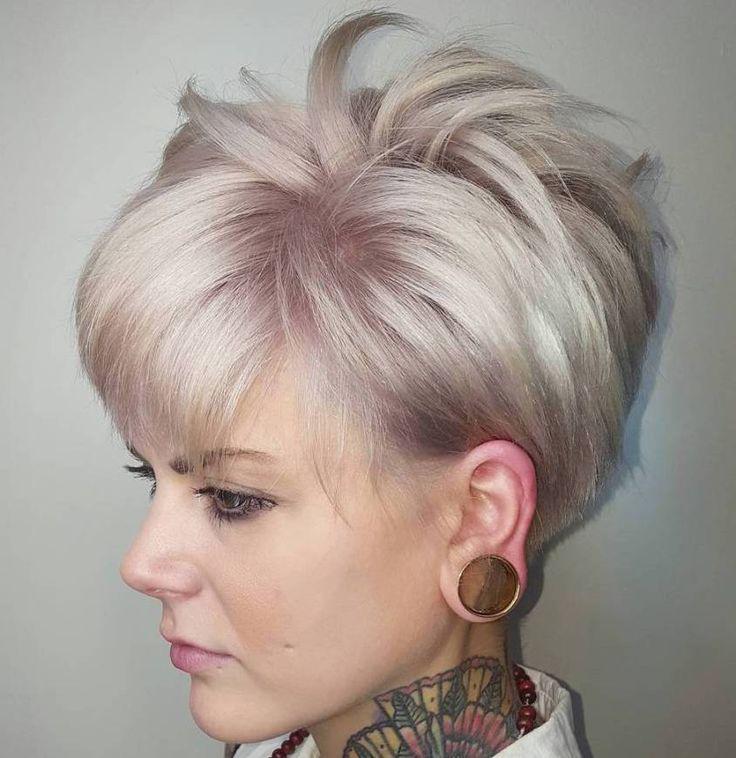 Quero essa cor de cabelo, com a base cinza.