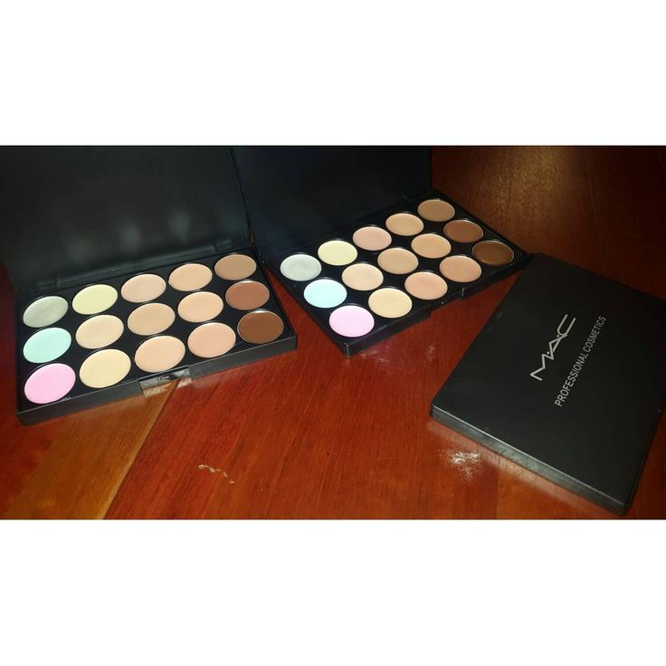 Paleta de correctores 15 TONOS #Mac Para realizar tus contornos y corregir manchas en tu rostro, cada color con una funcion����. #concealer#makeup#mac#macaddict#makeuplovers#makeupvzla#makeuplove#makeupaddict#cosmetics#maquillaje#amorporelmaquillaje#ventademaquillaje#PidelElTuyo��✔ http://ameritrustshield.com/ipost/1547949140612684834/?code=BV7a4rAlxwi