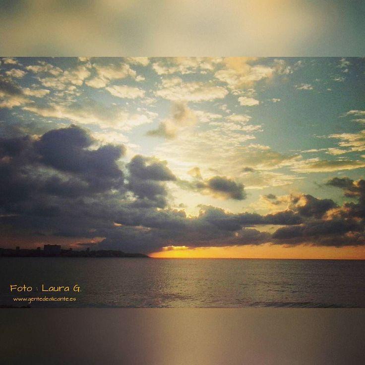 GENTE DE ALICANTE: Con éste precioso amanecer desde la playa del Post...