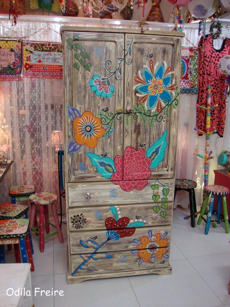 Painted Wardrobe. atelier odila freire, colors, decoupage