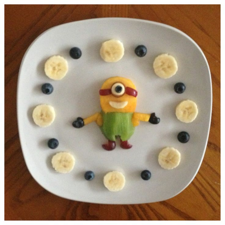 Make your own Minion Snack! Kids will love this healthy snack idea. Perfect for a kids Minion birthday party. Check out our other birthday party articles too ...