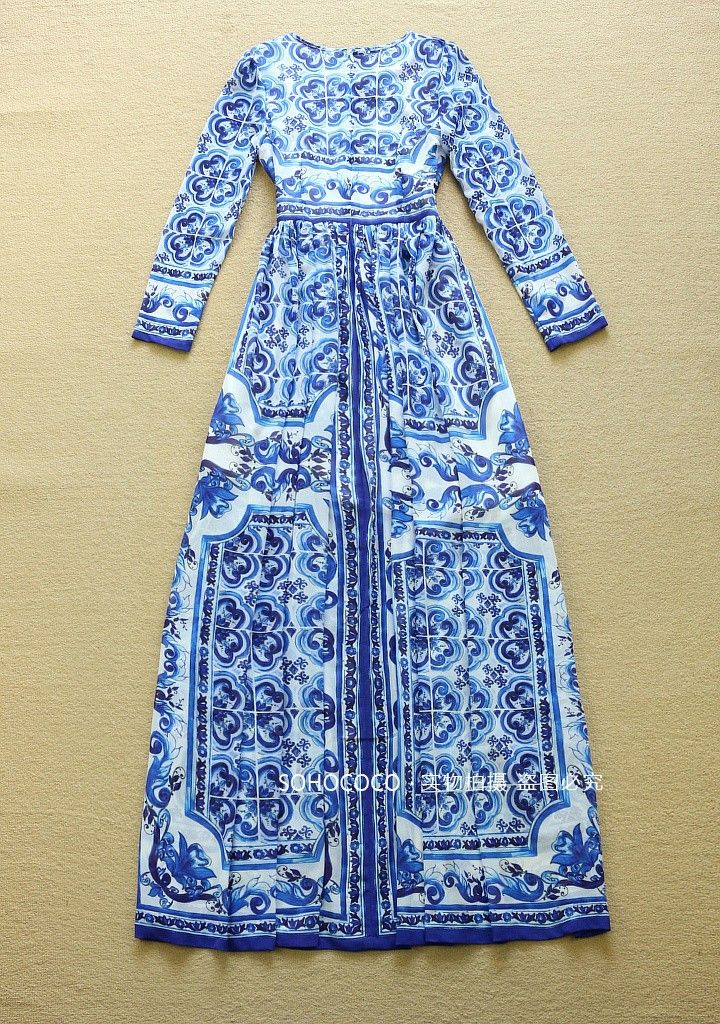 High Quality New Fashion 2015 Designer Runway Maxi Dress Women's Long Sleeve Blue and White Printed Celebrity Party Long Dress NOTE: Size Chart(cm) 1 cm=0.39 Inch Please contact us if you have any questions about available sizes. Models and measurement in a different way, goods size may be 1-3 cm error, belongs to the normal ...