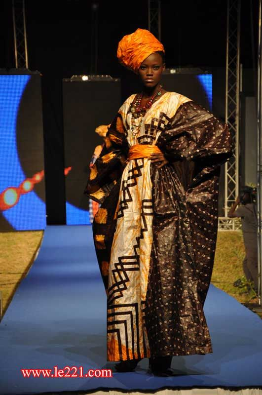La Dakar Fashion Week 10 Ans De Mode D J Au Senegal Contemporary African Fashion