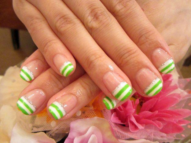 Полосатый бело-зеленый французский маникюр ::: onelady.ru ::: #nail #nails #nailart #manicure