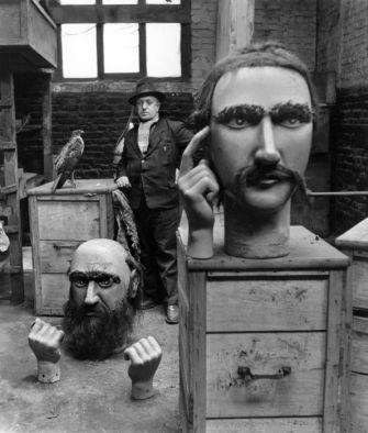 Les géants du Nord 1951 |¤ Robert Doisneau | 13 avril 2015 | Atelier Robert Doisneau | Site officiel