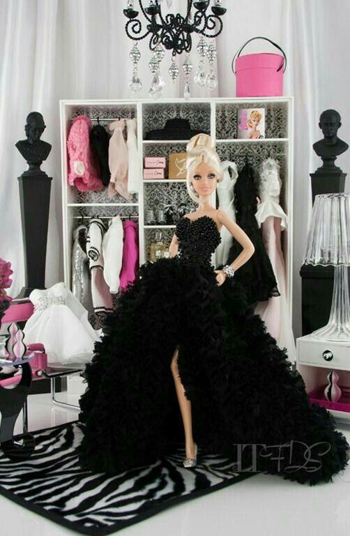 Her wardrobe is super.👍🏻 #barbie #barbieswardrope