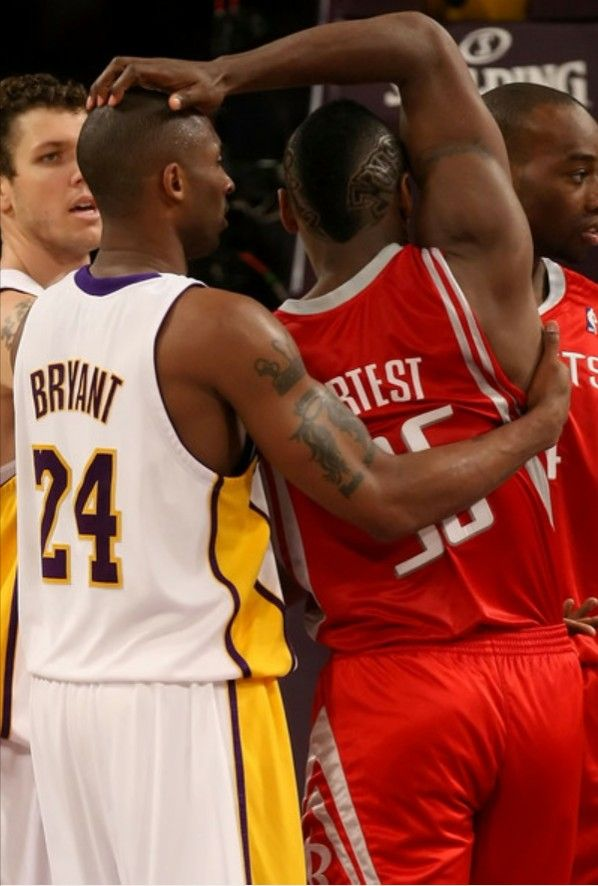 Pin By Hassan Gilchrist On Gknow Kobe Bryant Basketball Players Basketball Pictures