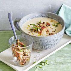 Maronensuppe mit Äpfeln und Majoran-Nüssen Rezept | Küchengötter