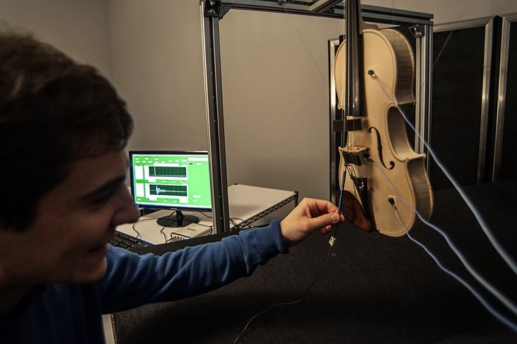 Testing the vibrational properties of the tip of the violin
