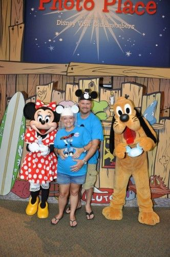 One of the perks I have always enjoyed about being a Disney Rewards Visa cardholder is the Character Meet 'N' Greet opportunity at Epcot. All you have to do is grab your party and your Disney Rewards Visa card and head to Innoventions West.