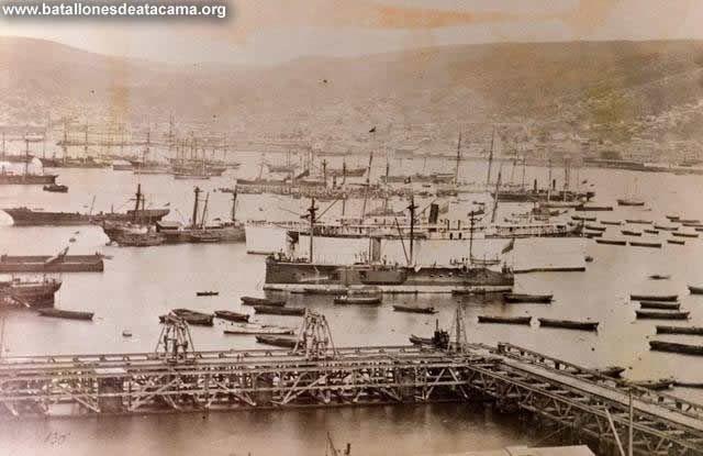 Fotografías Históricas de La Guerra del Pacifico 1879 _ 1884 Fotografía Correspondiente al Huáscar en posesión Chilena, en el puerto de Valparaíso en el año 1879.