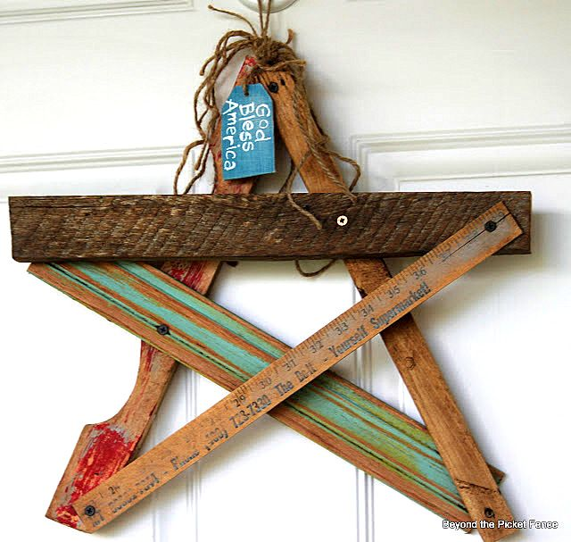 My new fave blog: Funky Junk Salvaged star door decor by Beyond the Picket Fence