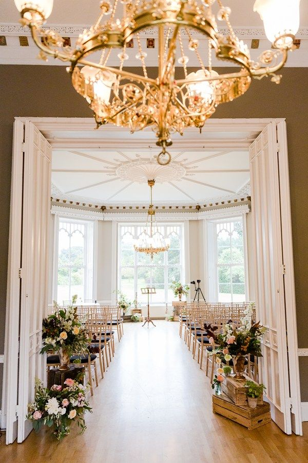 Real wedding: Jenny Packham, Jesus Peiro and the biggest bouquet you've ever seen at Nonsuch Mansion