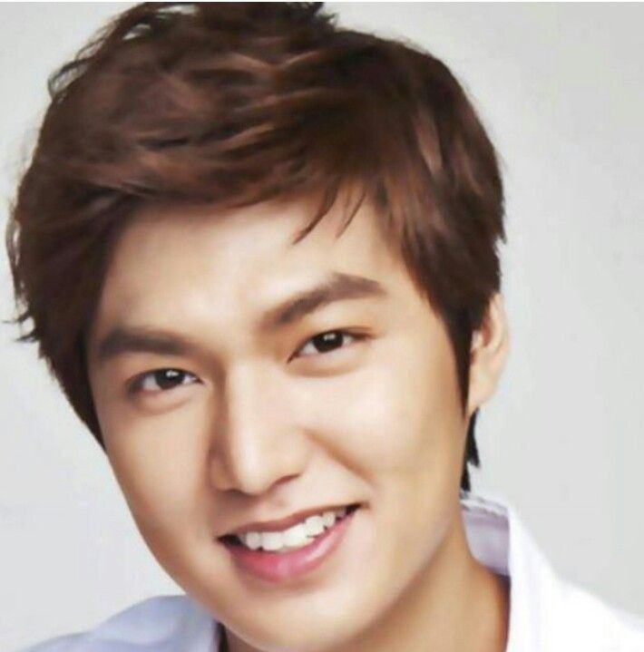 Beautiful smile Oppa.