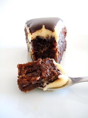 Sabores da Alma: Bolo de Chocolate com Recheio de Manteiga de Amendoim