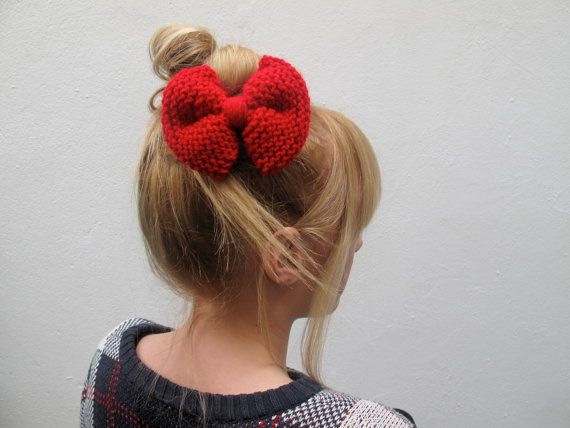 Knitted Purl Bow // Christmas Red Hair Bow // by hellobettybow