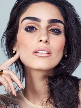 Explore Spring Eye Makeup Looks & Trends for 2016 by Maybelline. Flaunt the latest eyelash, eyeshadow, eyeliner & eyebrow trends for creative eye makeup looks.