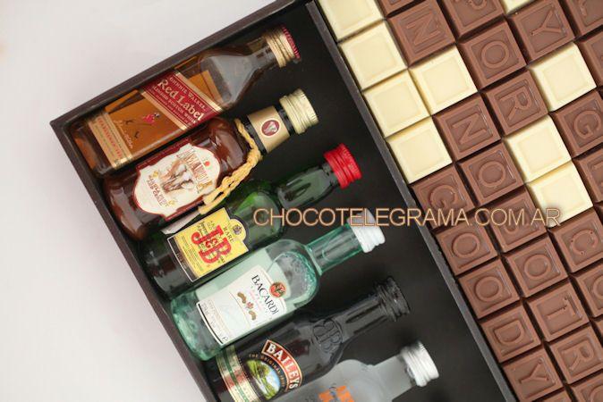 Chocotelegrama Premium Bodega. Un super Regalo para Aniversario! 70 chocolatitos, 8 minibotellitas de licores y 2 shots para brindar.
