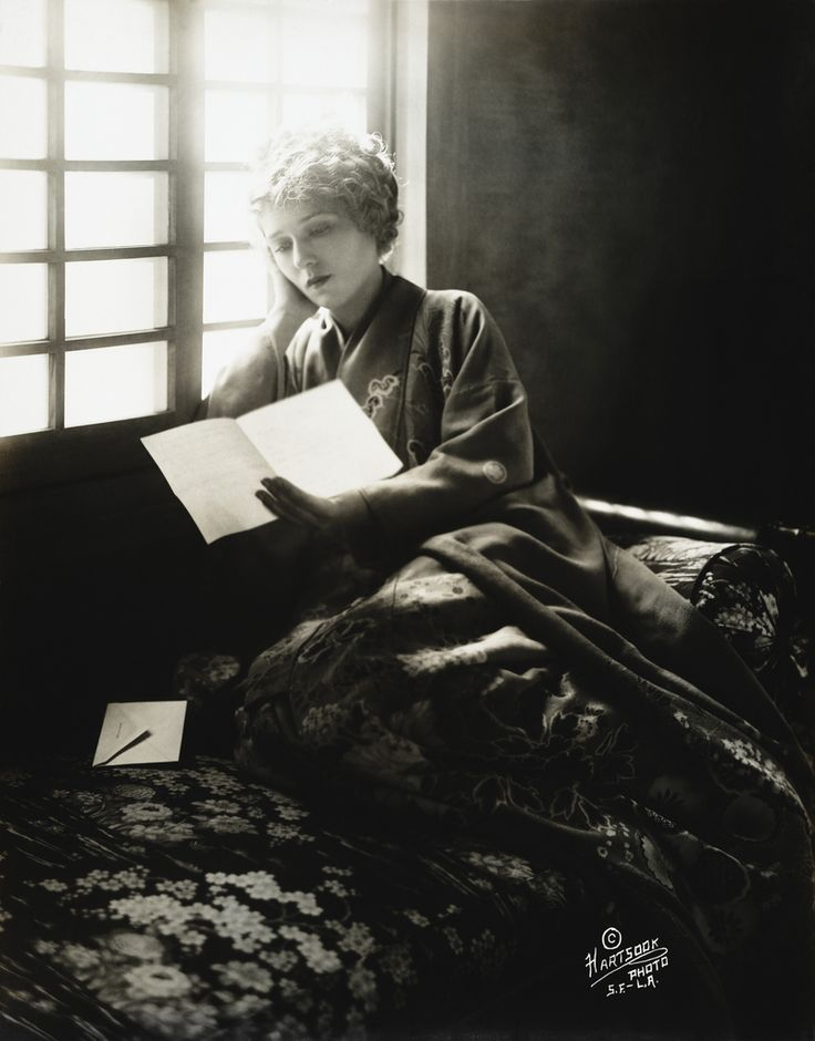 https://flic.kr/p/b7xknk | Mary Pickford by Fred Hartsook, 1918 | Hollywood actress Mary Pickford, wearing a kimono, reading a letter, by Hartsook Photo, S.F. - L.A., copyrighted 27 February 1918.  From the Library of Congress More pictures of Mary Pickford | More black & white portraits [PD] This picture is in the public domain.