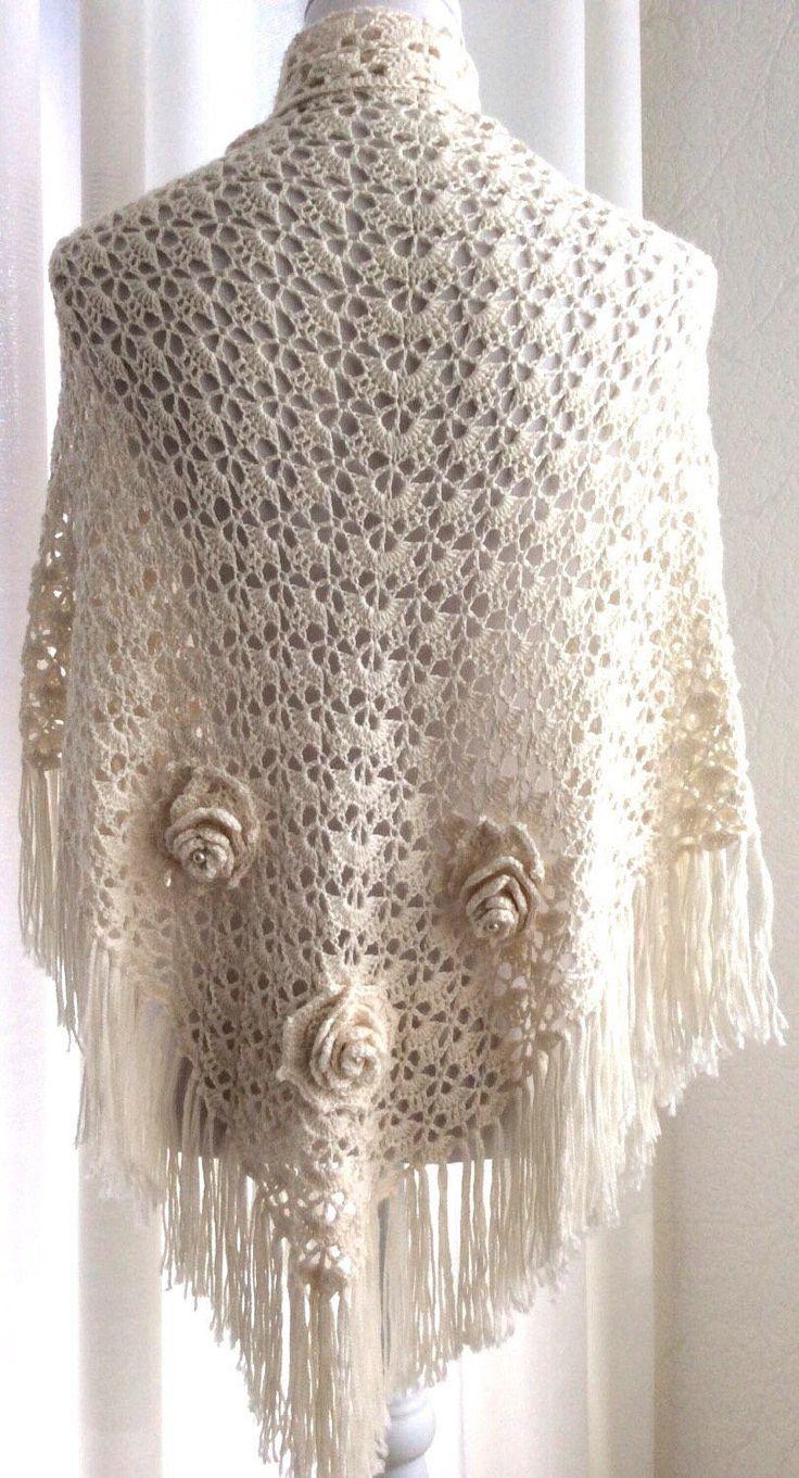 Een persoonlijke favoriet uit mijn Etsy shop https://www.etsy.com/nl/listing/484223441/gehaakte-bruidssjaal-witte-gebroken-wit