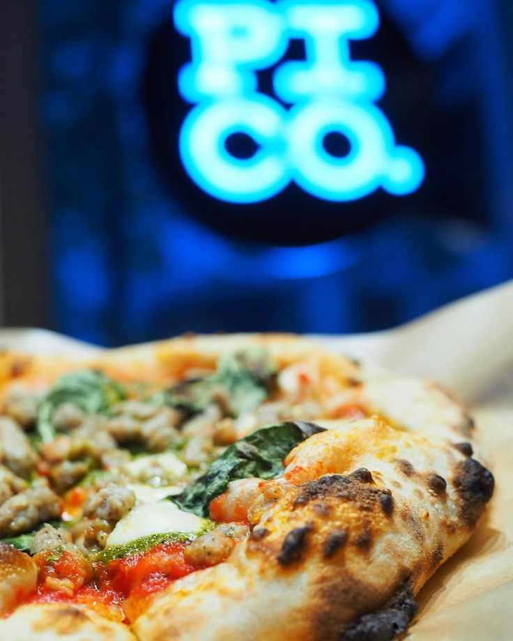Unlimited toppings and ready in 70 to 90 seconds - sign me up!  Delicious crust is a definite plus  - Thanks @pi_co_pizza and @cravethe6ix for the tasty pizza!! - - - - #pithe6ix #mediatasting #pizzatime #pizza #craftyours #TorontoRestaurants #CAeats #cravethe6ix #yelpGTA #craveTO #ypdine #blogTO #TO_finest #TodayIFooded #curiocityTO #TOeats #torontofood #tofoodies #toronto #torontofoodies #TorEats #FoodPornTO #torontobites #TorontoEats #yyzeats  #TorontoInfluencer #igerscanada…