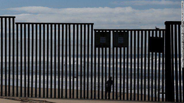 CNN Breaking News / Secretary John Kelly says DHS won't separate families at the border. https://cnn.it/2nxrRc4