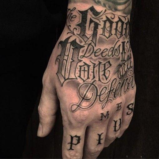 Chicano Del Tatuaje Letras En La Mano